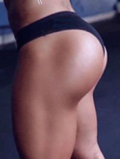 5 Minute Booty Lifting Workout that you can do at home.