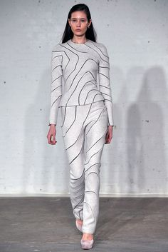 See the complete Josh Goot Fall 2009 Ready-to-Wear collection.