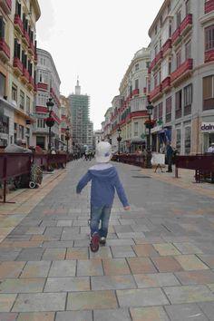 Calle Larios engalanada para la Semana Santa