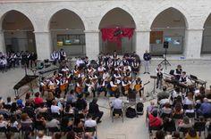 Festa della Musica con il coro e l'orchestra De Gasperi #Corato, #Lostradone, #Scuola, #ProLoco, #DeGasperi, #FestaDellaMusica  Corato LoStradone.it