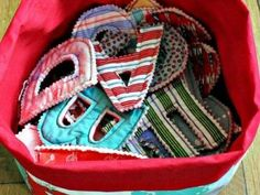 a bucket of letters made from scrap fabrics – great idea! @ DIY Home Ideas. source doesn't work but cute idea fabric crafts Rag Quilt Play Letters and Numbers {Toys} Sewing For Kids, Baby Sewing, Sew Baby, Sewing Hacks, Sewing Crafts, Sewing Tips, Baby Crafts, Crafts For Kids, Childrens Christmas Gifts