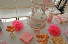 anniversaire thème carrousel manège petits chevaux Carrousel, Baby Shower, Cake, Food, Ideas, Beginning Sounds, Children, Babyshower, Food Cakes