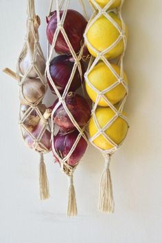 Boho Kitchen, Kitchen Decor, Macrame Projects, Diy Projects, Vegetable Storage, Diy Vegetable Bags, Diy And Crafts, Arts And Crafts, Macrame Design
