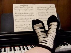 Ravelry: Pianissimo Keyboard Socks pattern by Lori Torrance -Di here are some socks we could knit! Knitting Patterns Free, Knit Patterns, Free Pattern, Knitting Socks, Baby Knitting, Knit Socks, Crochet For Kids, Keyboard, Slippers