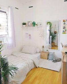 Easy way to make your dream minimalist dormitory room 5 Room Ideas Bedroom, Small Room Bedroom, Home Decor Bedroom, Small Bedroom Ideas For Teens, Bedroom Signs, Master Bedroom, Dormitory Room, Home Room Design, Tiny Bedroom Design