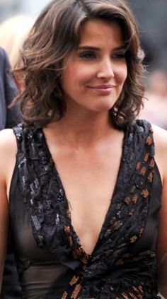 Beautiful Celebrities, Beautiful Actresses, Beautiful Women, Celebrity Beauty, Celebrity Photos, Cobie Smulders, Elizabeth Gillies, She Is Gorgeous, Sheer Beauty
