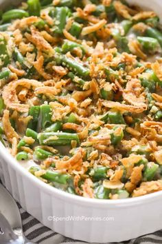 This creamy and crispy green bean casserole is my favorite dish to bring to potlucks and turkey dinners! This creamy and crispy green bean casserole is my favorite dish to bring to potlucks and turkey dinners! Healthy Green Bean Casserole, Classic Green Bean Casserole, Homemade Green Bean Casserole, Crispy Green Beans, Healthy Green Beans, Crispy Onions, Fried Onions, Greenbean Casserole Recipe, Casserole Recipes