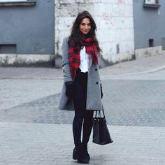 Weronika Zalazinska - Checked scarf