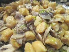 Gnocchi alla salsa di funghi
