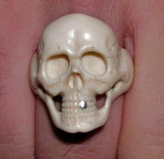 Genuine mammoth ivory carved ring Skull Fix от Mashkaron на Etsy, $230.00