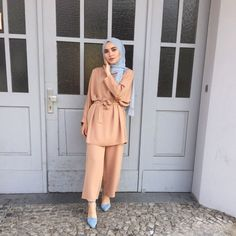 Muslim Fashion 736408976556272150 - 13 Tuto Hijab Pour Jeune Fille – Hijab Fashion and Chic Style Source by ilaydabrc Modest Fashion Hijab, Modern Hijab Fashion, Hijab Casual, Hijab Fashion Inspiration, Hijab Chic, Muslim Fashion, Mode Inspiration, Look Fashion, Hijab Outfit