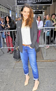 Emilia Clarke- pairs her cuffed boyfriend jeans with a stylish grey blazer and pointed-toe nude pumps