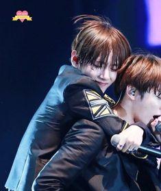 ♪♫ Listen to my heartbeat. It calls you whenever it wants to. Bts Jungkook, Namjoon, Seokjin, Foto Bts, Bts Photo, Taekook, Yoonmin, Bts Ships, Park Jimim