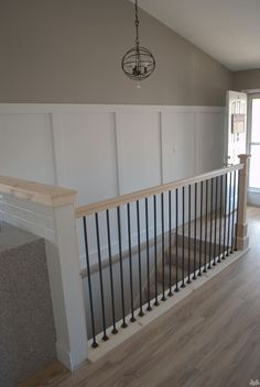 Open stairs to basement railings newel posts 62 Ideas Staircase Banister Ideas, Banister Remodel, Staircase Railing Design, Iron Stair Railing, Banisters, Metal Spindles, Railings For Stairs, Handrail Ideas, Iron Balusters
