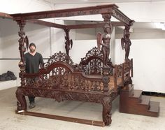 Lot: Palace Size Mahogany Bed, Lot Number: 0186, Starting Bid: $500, Auctioneer: Copake Auction Inc., Auction: 37th Annual New Years Day Auction, Date: January 1st, 2017 BRST