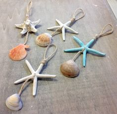 Natural Christmas Starfish Ornament This Seastar tree ornament is a perfect gift for anyone who love Seashell Christmas Ornaments, Coastal Christmas Decor, Beach Ornaments, Silver Christmas Decorations, Nautical Christmas, Christmas Crafts, Beach Christmas Trees, Christmas Wood, Driftwood Crafts
