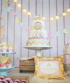 Pastel-Boho-Chic-Party-Cake-And-Light-Hanging baby shower bo Bridal Shower Cakes, Baby Shower Favors, Baby Shower Parties, Baby Shower Themes, Baby Shower Decorations, Shower Ideas, Shower Gifts, Ideas Bautismo, Boho Theme