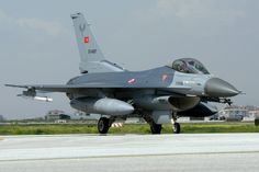 https://flic.kr/p/umz8wP | 93-0687_MH_080515 | Turkish AF F-16C Fighting Falcon from 132 Filo taxying out at Konya 08/05/2015