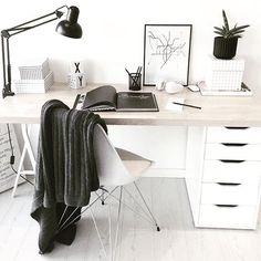 Desk insp