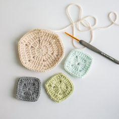 [무료도안] 로맨틱한 웨딩링 블랭킷뜨기 : 네이버 블로그 Knitted Hats, Crochet Earrings, Knitting, Crochet Blankets, Granny Squares, Bed Covers, Tricot, Knit Caps, Cast On Knitting