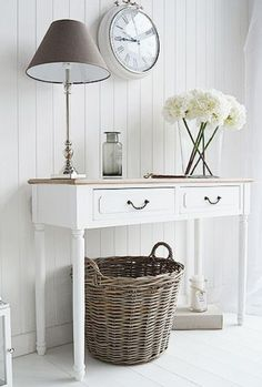 The Chic Technique: Shabby chic country living room. Decorate your home in our f… The Chic Technique: Shabby chic country living room. Decorate your home in our french style shabby chic white furniture Shabby Chic Flur, Shabby Chic Entryway, Estilo Shabby Chic, Shabby Chic Living Room, Shabby Chic Bedrooms, Shabby Chic Homes, Shabby Chic Furniture, Shabby Chic Decor, Vintage Furniture