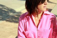 Vestido camisero rosa de Oxygene SS15, clutch de Zara SS15 y sandalias en forma de T con print de cebra, también de Zara de otras temporadas.