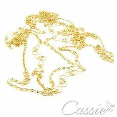 Pra arrasar em qualquer festa!!!! Colar Svariato - de duas voltas, comprido,  folheado a ouro.   #Cassie #semijoias #moda #lookdodia #acessórios #fashion #estilo #tendência #inlove #ficaadica #estilo #instalinda #instamoda #pérolas #bohostyle #folheado #brincos #linda #strass #boho #franjas #étnico