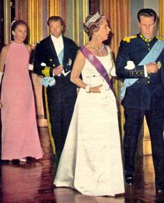 Queen Ingrid wore this tiara for a dinner during the Danish State Visit to Belgium in June 1968.