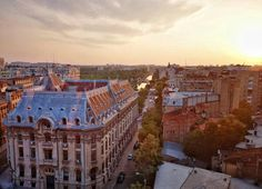 Panoramic view in Bucharest at sunset Bucharest, Paris Skyline, Places To Visit, Europe, Sunset, Travel, Viajes, Destinations, Sunsets