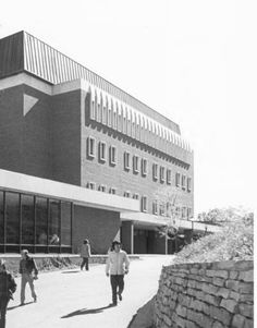 Morton Hall west side, looking south, 1970 :: Ohio University Archives.