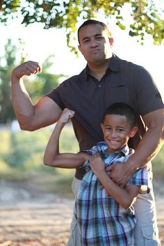 Family photography:  Barown Family Photo shoot, posing ideas