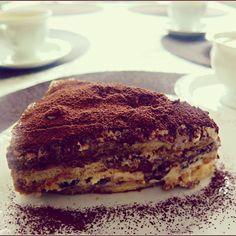 #tiramisu #cookair #cookairblog #foodblogger #recipe #ontheblog #onthetable #refinedsugarfree #italiancuisine #cucinaitaliana #kuchniawloska #deser #dessert #postre #pleasure #moments #birthday #coffee #vscofood #foodoftheday #instafood #instadessert #urodziny #sweet #monday #mascarpone #savoiardi #italianfood #śladamiwłoskichsmaków #merienda