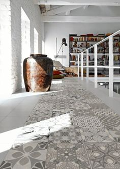 Art Nouveau and Lovestone by Azulejos y Gres - patterns are introduced to the flooring through patterns tiles Interior Architecture, Interior And Exterior, Interior Design, Organic Architecture, Floor Design, Tile Design, Ceramic Design, Eclectic Tile, Decoration Gris
