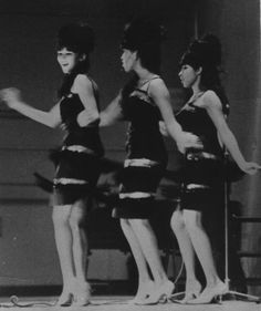 The Ronettes - Baby, I Love You.