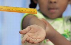 Moeder mishandelt schooljuf - FamilieNieuws.com http://www.familienieuws.com/2018/02/06/moeder-mishandelt-schooljuf/ #Suriname Hij bleek te zijn gestruikeld en de juf was er boos om dat het kind tegen haar voertuig was aangekomen. De juf