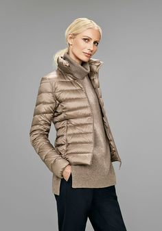 Discover our down collection for women, including Ultra Light Down, Hybrid Down, Seamless Down and more for the cold season. Vest Outfits, Cool Outfits, Uniqlo Looks, Winter Wear, Autumn Winter Fashion, Uniqlo Outfit, Uniqlo Jackets, My Outfit, Jackets For Women