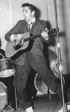 November 25, 1955 Elvis Presley Woodrow Wilson High School Port Arthur, Texas TCB⚡ with TLC⚡ Port Arthur Texas, Elvis Presley, Gilmer Texas, High School, Golden Triangle, Ears, September, Gym, History