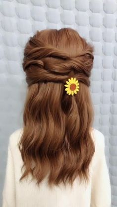 Many girls will dress themselves carefully when going on a date. In addition to choosing beautiful clothes, they also need to wear a beautiful hairstyle. These princess hair styles are too suitable for girls to use when dating Long Hair Braided Hairstyles, Pretty Hairstyles, Cute Hairstyles, Hairstyle Ideas, Dinner Hairstyles, Wedding Hairstyles, Ballet Hairstyles, Beach Hairstyles, Updo Hairstyle