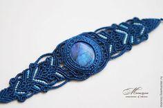 Браслеты ручной работы. Ярмарка Мастеров - ручная работа. Купить Синий браслет с лабрадором, макраме. Handmade. Тёмно-синий
