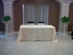 Rosette ivory rectangle tablecloth