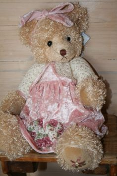LINDA is a Settler Bear from the Templestowe Collection.  Price AUD$83.25  SHIP WORLDWIDE Email:toodledoo@bigpond.com www.settlerbearsaustralia.com.au,   Mobile: 0433 253 800   Toodle Doo - the MAGIC place to shop!