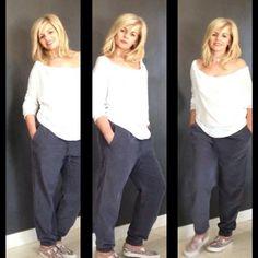 Comodo e pratico il nostro pantalone in cupro grigio abbinato alla t-shirt bianca morbida!!  #stefanel #stefanelvigevano #look #moda #trendy #shopping #negozio #shop #vigevano #lomellina #piazzaducale #stile #photo #foto #instagram #instalook #instagood #instafoto #maglia #pantalone #top #summer #spring #Primavera #Style #photo #sfilata #outfit #blondie #girl #donna #woman