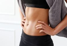 You do not have to bother to make an infinite number of sit-ups to get a flat stomach. Actually, we found the easiest exercise to achieve a flat stomach, and the best is that fitness experts say is more effective than sit-ups. Stomach Vacuum, Flat Stomach, Flat Belly, Toned Stomach, Lower Belly, Body Fitness, Fitness Tips, Health Fitness, Women's Health