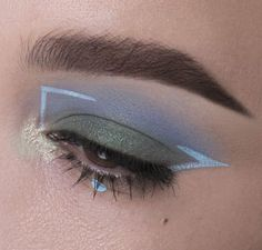 15 Incredibly Inspiring Eye Makeup Looks. Click through for the roundup! | Queen Lila