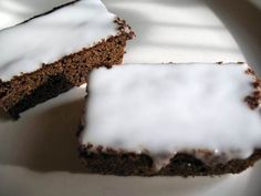 Nigella Lawson's Fresh Gingerbread Cake with Lemon Icing