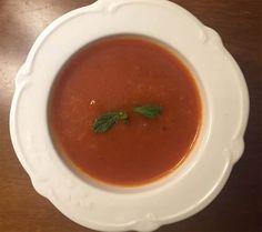 Pancar çorbası son derece besleyici ve lezzetli bir çorbadır. Bu değişik ve pratik sebze çorbasını çok seveceksiniz.