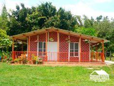 Casas prefabricadas un nivel Future House, My House, Small House Living, Orlando, Pergola, Sweet Home, Villa, Outdoor Structures, Cabin