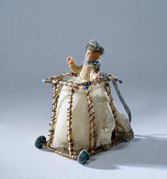 Pop, voorstellende een kind in een looprek, anoniem, 1700 Antique Dolls, Vintage Dolls, New Parent Advice, Christmas Toys, Christmas 2016, Ann Doll, Creepy Dolls, Wooden Dolls, Miniture Things