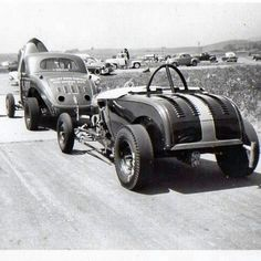 History - Drag cars in motion. Rat Rods, 32 Ford Roadster, Ford V8, Vintage Race Car, Vintage Auto, Drag Cars, Drag Racing, Auto Racing, Hot Cars