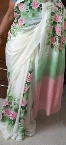 hand painted saree Saree Painting, Fabric Painting, Beautiful Saree, Beautiful Outfits, Indian Dresses, Indian Outfits, Jute, Hand Painted Sarees, Simple Sarees
